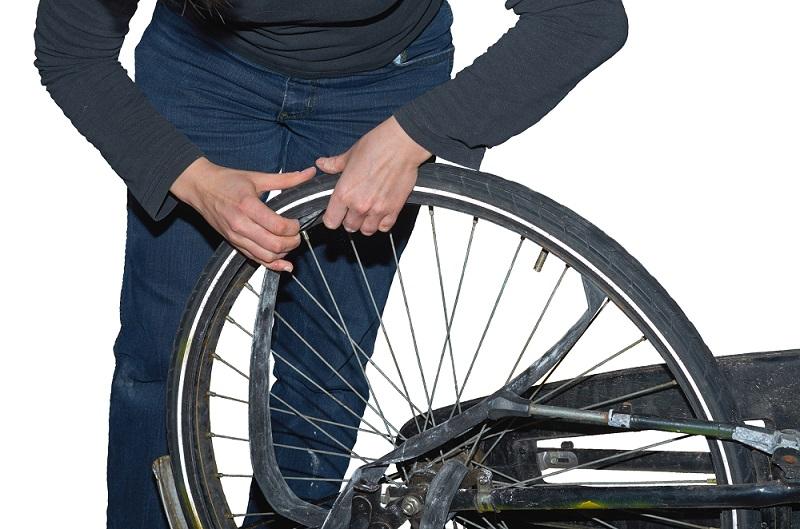 Wymiana dętki rowerowej